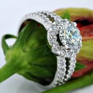 Crystal Simulated Diamond Engagement/Wedding Ring